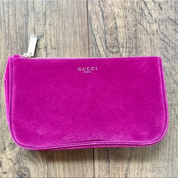 49bc60bedb6d Gucci Handbags - Gucci Beauty velvet makeup bag, brand new